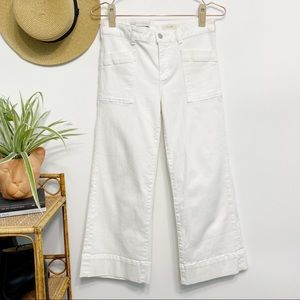 ANTHRO Pilcro Wide Leg Mid-Rise White Crop Jeans